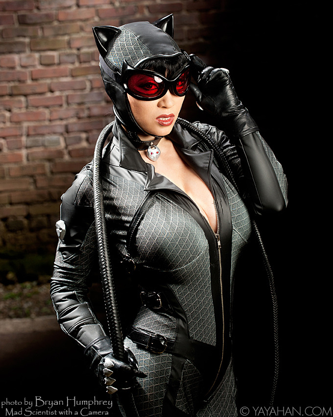 cosplayblog:  Extra Fresh cosplay! Catwoman from Batman: Arkham City  Cosplayer: Yaya Han [Web | Tumblr | Twitter]Photographer: Bryan Humphrey   wow.