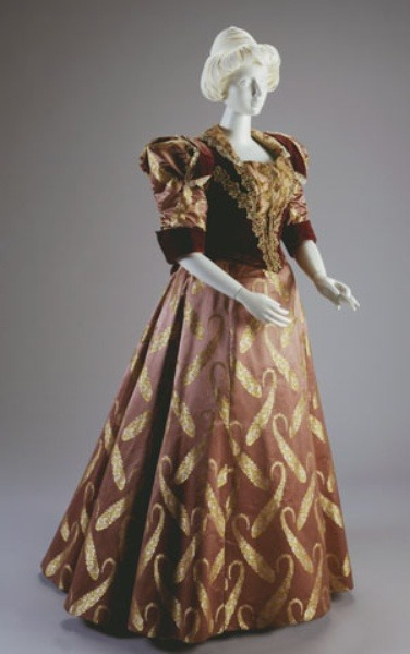 Evening dress ca. 1896-97 From the Cincinnati Art Museum