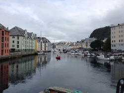 fursasaida:  The main canal in Ålesund.
