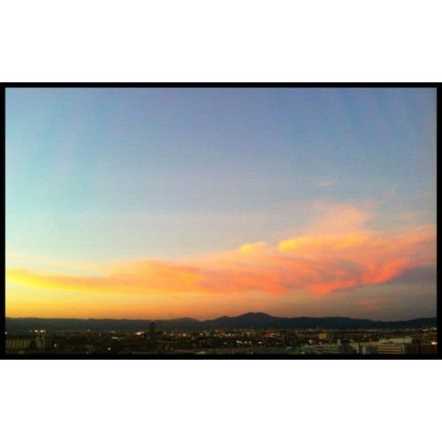 【图】现在的云。#sunset #cloud #iphone  (Instagramで撮影)