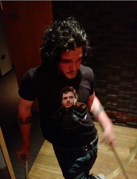 suicideblonde:  ERMAHGERD!!! Kit wearing a Robb Stark t-shirt!!