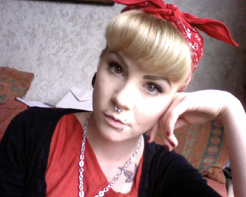 Today :] wearing my pretty red top, it's such a lush cut and found my anchor necklace :D