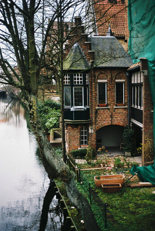 bluepueblo:  River House, Bruges, Belgium photo via aways