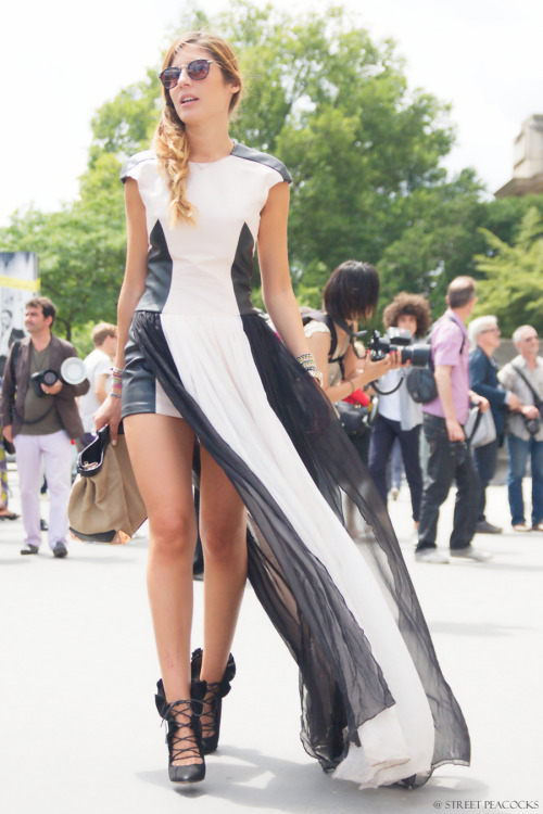 vogue-babes:  balenciag-a:  azzarax:  I just died this is gorg* I love black & white ♡  wow  agreed