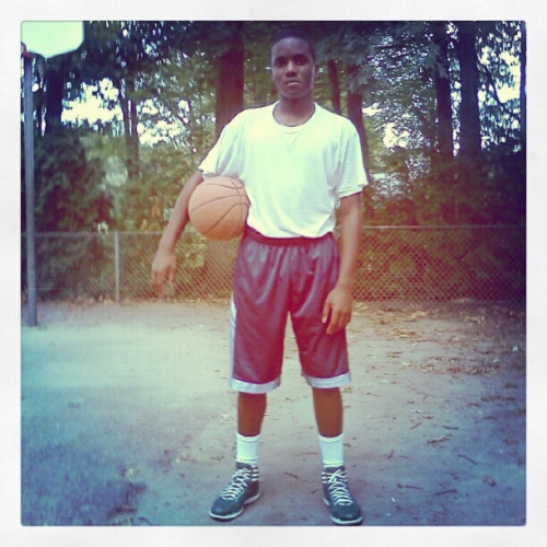 #HoopDreams #Ballislife #Basketball #Ballin