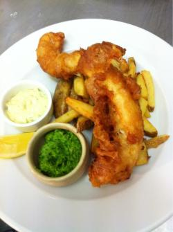 Beer Battered Coley, Pea & Mint Puree, Hand Cut Chips, Tartare Sauce