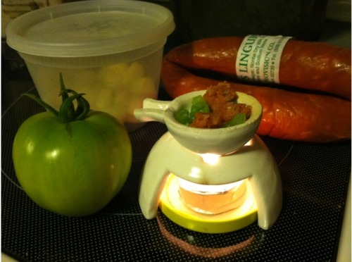 How to Cook with 3D Printing Now you can cook direct from the 3D Printer with Ruben Alexander's Tea Light Cooker 3D Printed in Ceramics by Shapeways.  Whether you want to cook Portugese sausage with green tomatoes and garlic, a mini fondu or bake a small spice cake.  This little cooker is designed around the lowly tealight. First meals have been with a standard tealight (38mm x 38mm x 16mm) as the heat source and safflower oil inside the cooking vessel with minced green tomatoes, Portuguese sausage, and sliced garlic. After those tasty results, I progressed to make a variety of dishes.