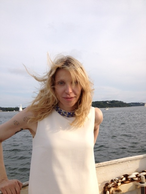 fuckyeahcourtneylove:  She looks so beautiful.