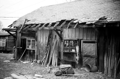 Barn + Junk Collection : LC- A RL + Four Corner Store B/W Film