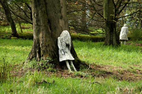 Laura Ford - Weeping Girls, 2009