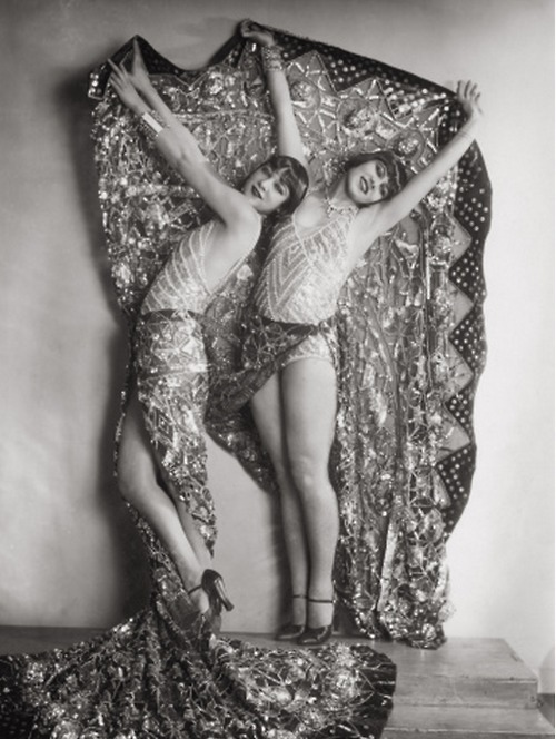 growhousegrow:  Pattern!  Chorus Girls in Vienna c.1929.