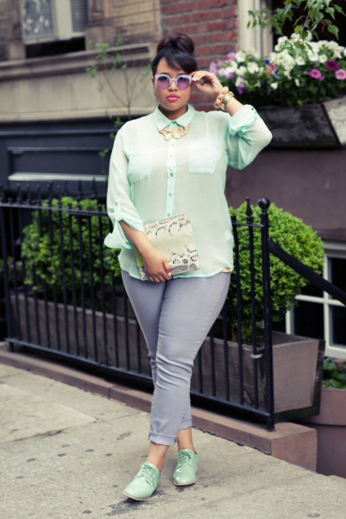 [modcloth]  Can't get enough of Gabi of GabiFresh's pastel mint and lavender colorblocked look.   The beautiful Gabi! Love her.