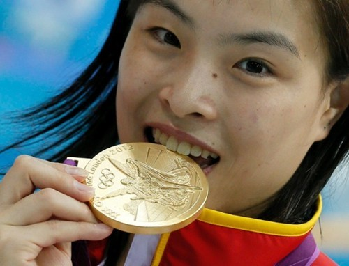"thedailywhat:  Heartbreaking Tearjerker of the Day: Chinese diver Wu Minxia took gold in the 3m synchronized springboard in London this week, becoming the first woman in history to win three consecutive Olympic golds. But shortly after she finished competing, Minxia's father reinforced China's win-at-any-cost mentality when he dropped a couple of bombshells on his daughter via theShanghai Morning Post: Both her grandparents had died over a year ago, and her mother had battled breast cancer for eight years.  Wu called us after her grandmother died, I gritted my teeth and told her: ""Everything's fine, there aren't any problems.""  Minxia's parents found such lies were ""essential"" to ensure their daughter could keep focused on her training. She'd left home at 16 to live at a government-sponsored diving facility.  We never talk about family matters with our daughter. We accepted a long time ago that she doesn't belong entirely to us. I don't even dare to think about things like enjoying family happiness.  [deadspin]  does anyone else find this extremely depressing..?"