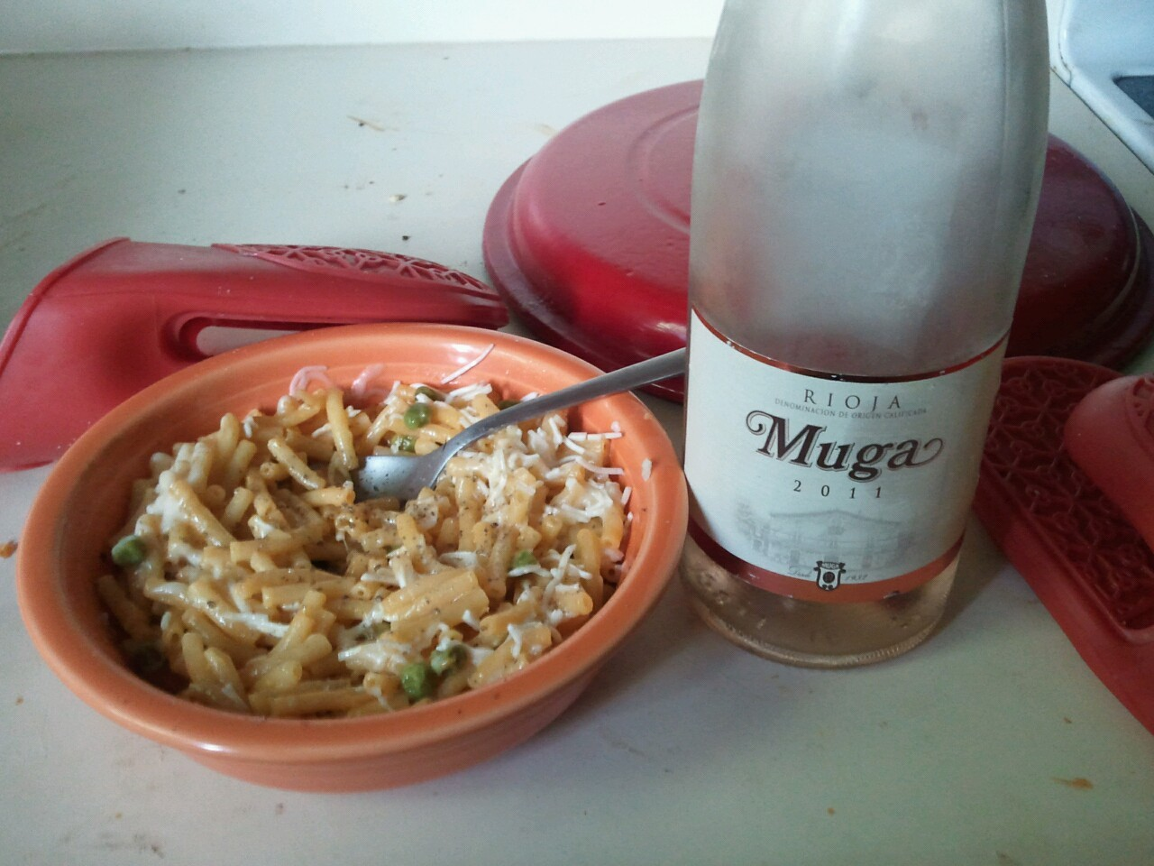 Hola rioja. Brunch is served. Wonderful #wine and mac&cheese pairing.