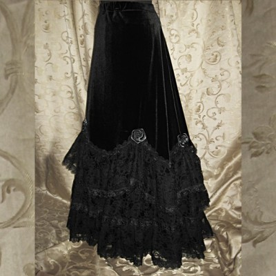 The Skirt Tigris, from Somnia Romantica on Etsy. Classic goth skirt, anyone? So lush and pretty!