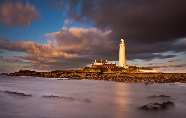 St Mary's Lighthouse - Cold April by jimmyosram1 on Flickr.