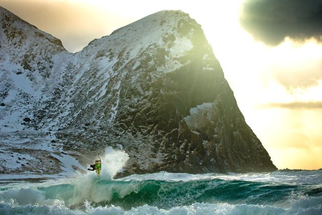 ARTLETE STORIES: Cali wave riders take on Norway's Arctic surf…featuring some amazing photography by Chris Burkard…more at http://news.yahoo.com/photos/surf-s-up-arctic-waves-call-california-wave-riders-slideshow/arctic-waves-photo-1343913138.html