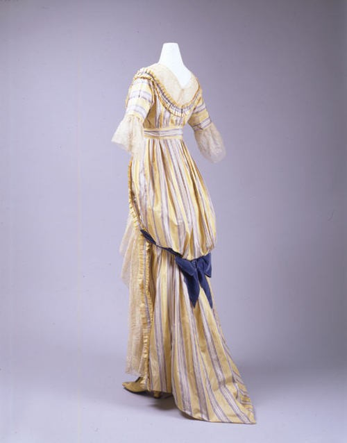 dress, 1910s.  edwardian era ended in 1910 when king edward died yo