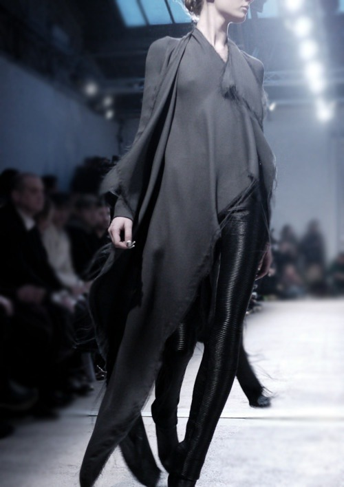 everything-went-black:  Gareth Pugh SS12