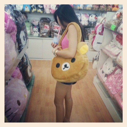 I want this bag so badly ahh~ #rilakkuma #bear #bag #wishlist #cute (Taken with Instagram)