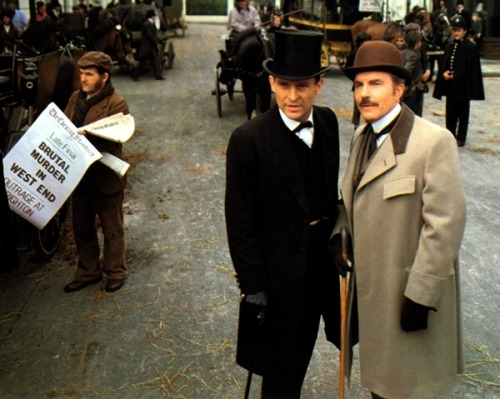 but-darlings-the-show-must-go-on:  Holmes&Watson  What dapper gents we have here.