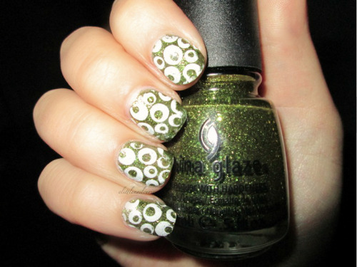 "alittlenailcurious:  ""It's Alive!"" - China Glaze ""Stamp me! White"" - Essence Essence Stampy Design plate ""02 style it up""  <3"