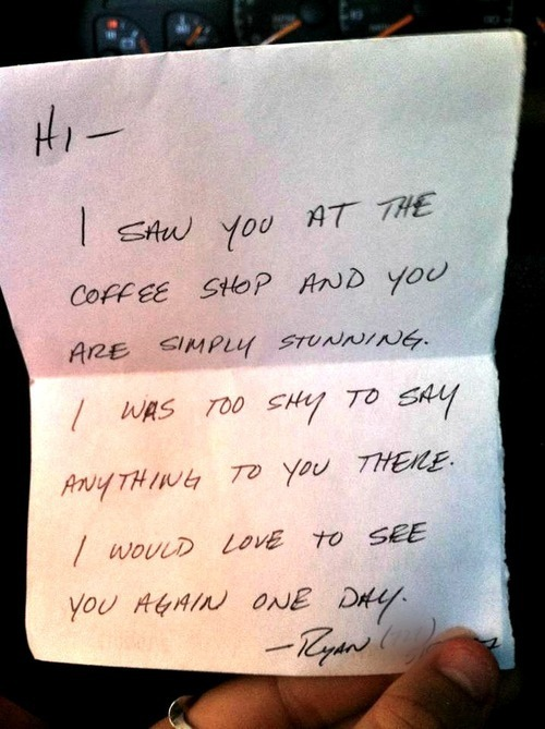 frapp-ocino:  skinny-blonde-latte:  Awwww  I wish that would happen to me!