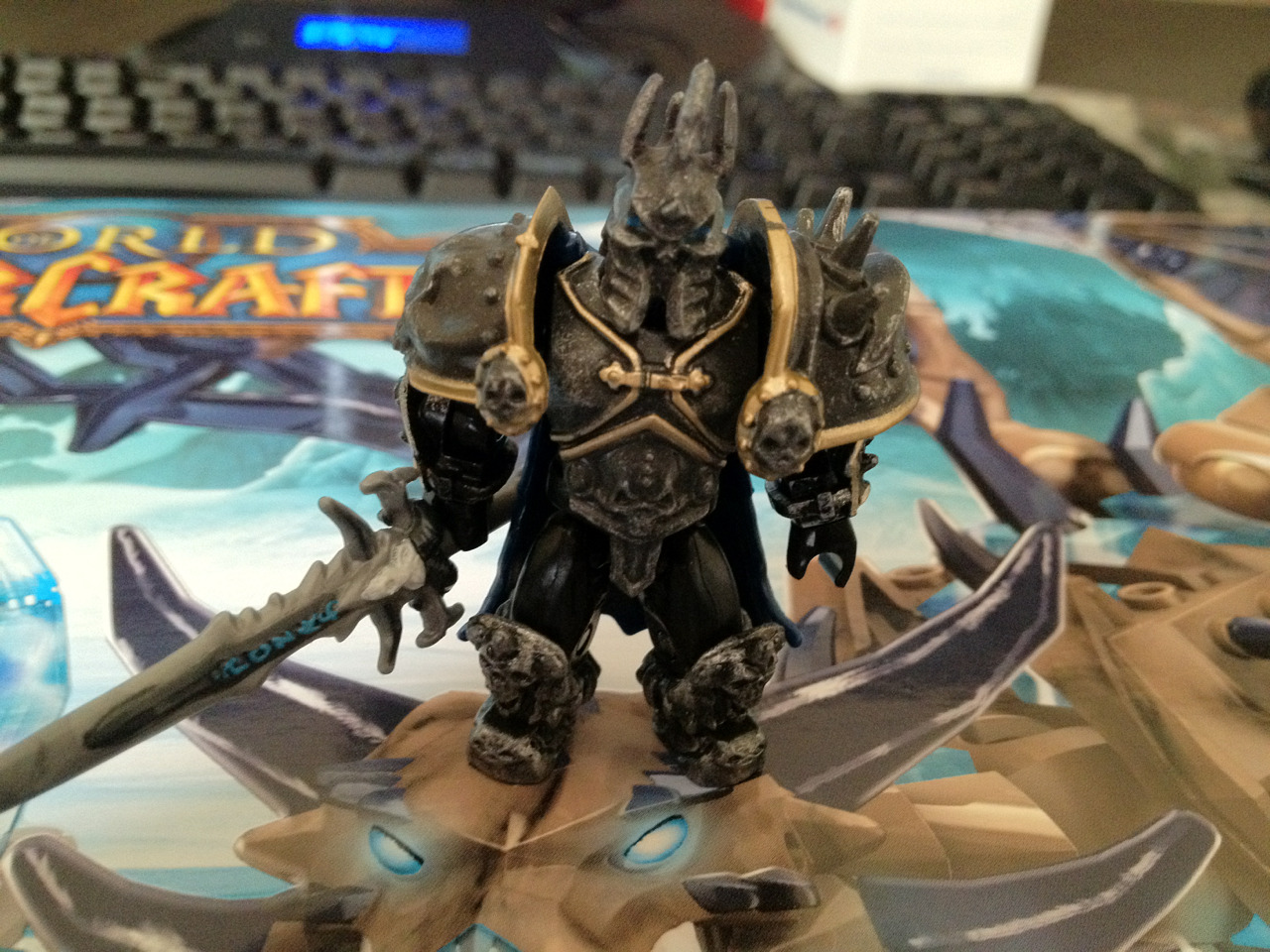 TINY ARTHAS IS THE BEST.