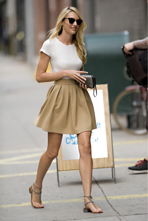 sexycandiceswanepoel:  Candice Swanepoel out in New York City - July 31, 2012   Omg, I love what she's wearing!