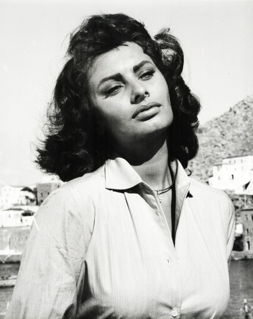 Sophia Loren in Boy On a Dolphin (1957)