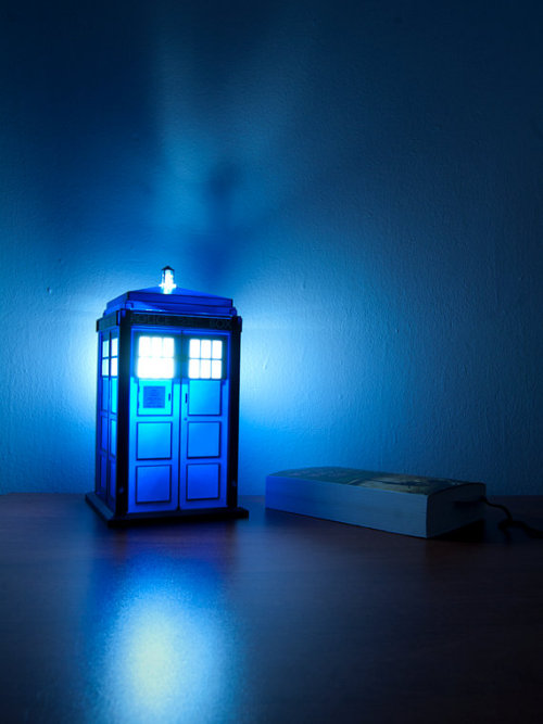 doctorwho:  Handmade TARDIS nightlight gingerbatches:  TARDIS nightlight…need.