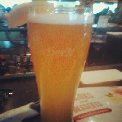 Blueeee moooonnn #beer #applebees #omaha  (Taken with Instagram)
