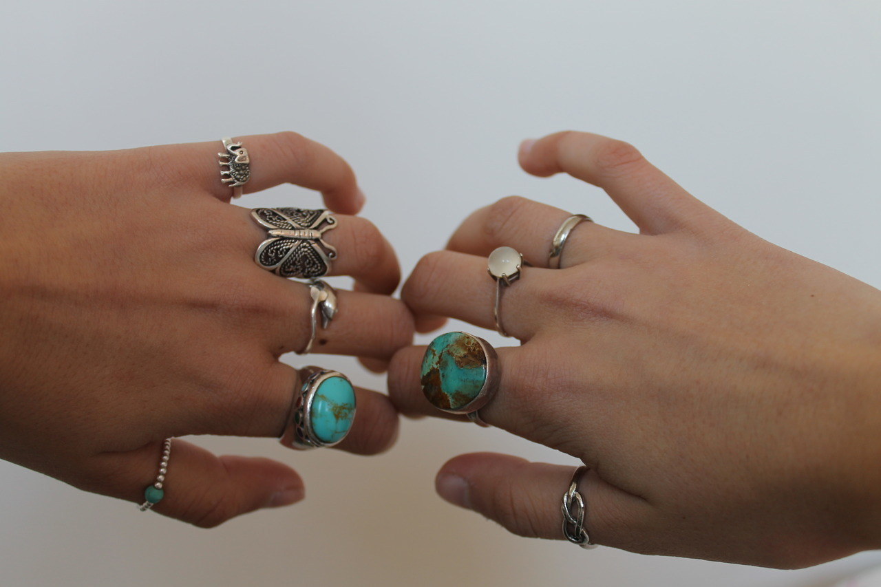 naturallybrunette:  i want these rings so badly