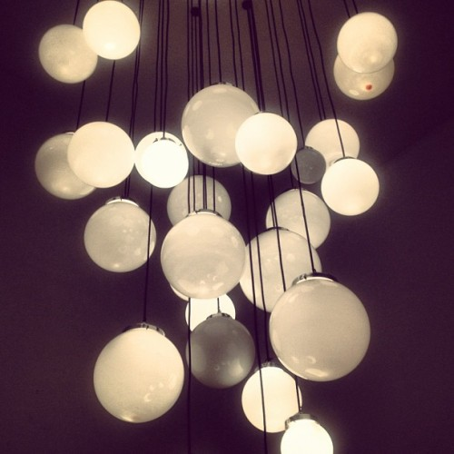 #luces #lights #design #vistoalpasar (Tomada con Instagram)