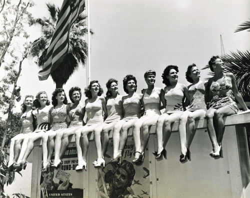 Miss Victory Beauty Contest at the Victory House in Los Angeles. 1942, photo by Joseph Jasgur