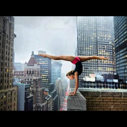 100plusdayz:  #Yoga #Confidence Incredibly #Sexy #NYC (Taken with Instagram)