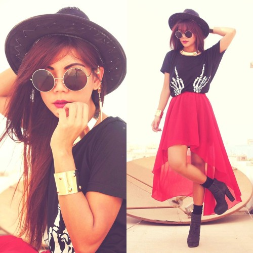 SHADOW PLAY Skull Hand Black T-shirt & Anomalous Hem Red Skirt (by Bernadette F)