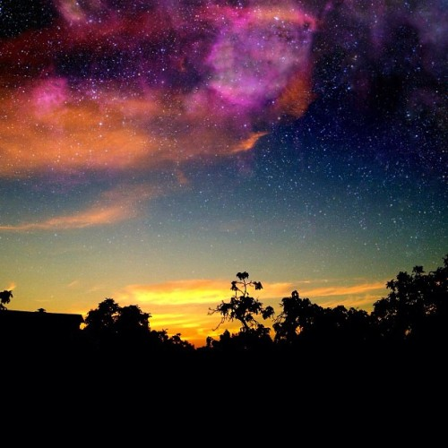 🌃 #sky #swag #landscape #cool #space #picoftheday #bestoftheday #trippy #igers #ink361 #instagood #iphoneonly #iphoneography #summer #sunset #cali  (Taken with Instagram)
