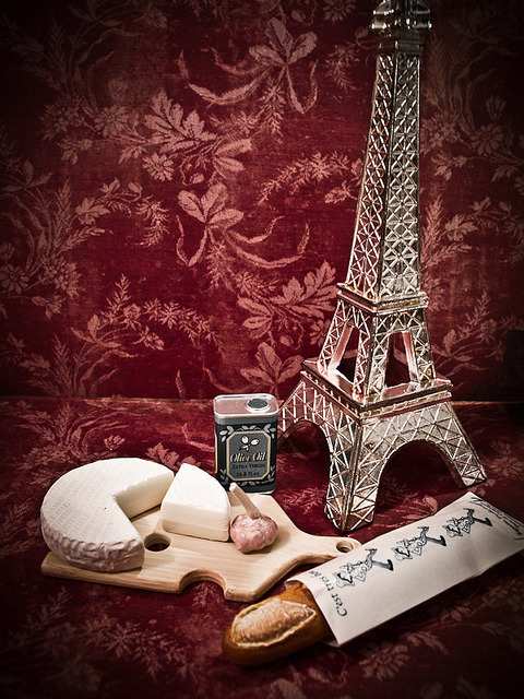 sayusaaz:  French Essentials (228/365) by Renatta_R on Flickr.