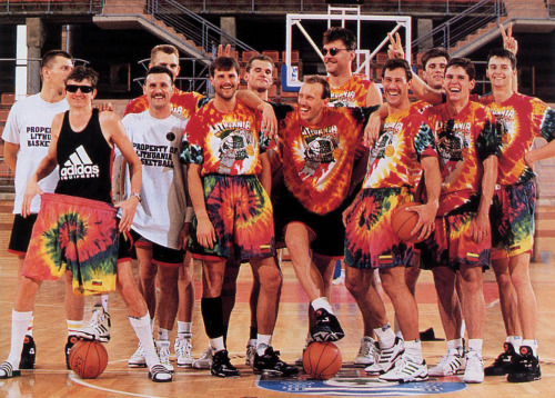 Arvydas Sabonis in the back row with the sunglasses/stache/cutoff sleeves: creepy Lithuanian dad vibes +100