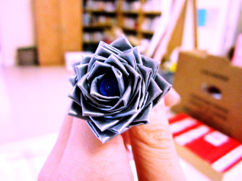 summer-paraparaparadise:  day 50: duct tape flower for me awww