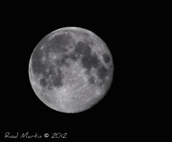 Last night's full moon 03 August 2012
