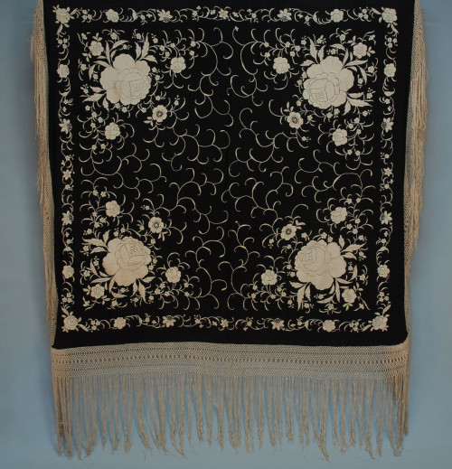 Shawl 1930s Whitaker Auctions