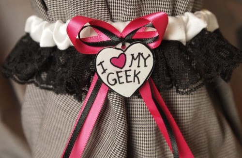 """I Heart My Geek"" Garter→              [source]"