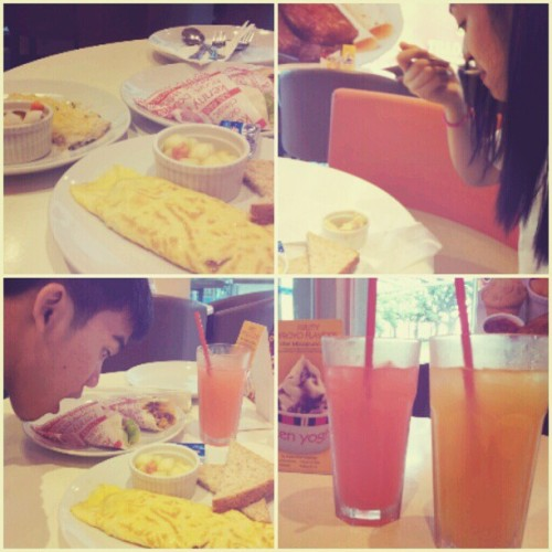 Breakfast:) #kennyrogers  (Taken with Instagram)