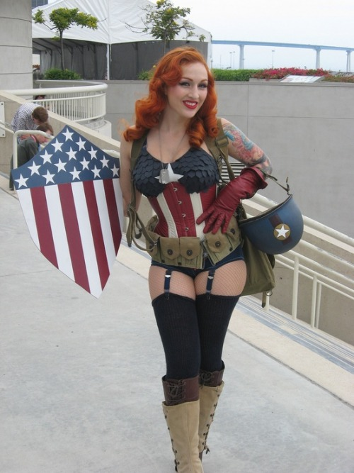 cosplaycomicsmusic:  Stephanie Castro as Captain America 1