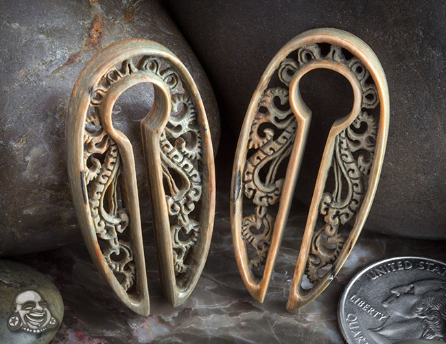 plugporn:  Fossilized mammoth oval disc design by Diablo Organics
