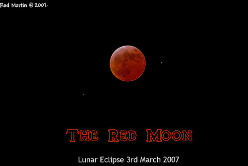 red moon on Flickr.