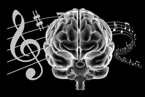 e   Musicians' Brains Might Have an Edge on Aging It's been said that music soothes the savage beast, but if you're the one playing the instrument it might benefit your brain. A growing body of evidence suggests that learning to play an instrument and continuing to practice and play it may offer mental benefits throughout life. Hearing has also been shown to be positively affected by making music.