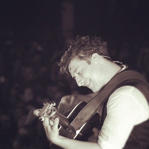 #marcus #mumford #mumfordandsons #guitar #atx #austin #tx #texas #xs #railroadrevivaltour #concert #performance #tour #band #music #isstevestillalive #steveslefteye #photography #nikon #D5000 #rise #filter #instagram #stevewilliams #steveosw (Taken with Instagram)